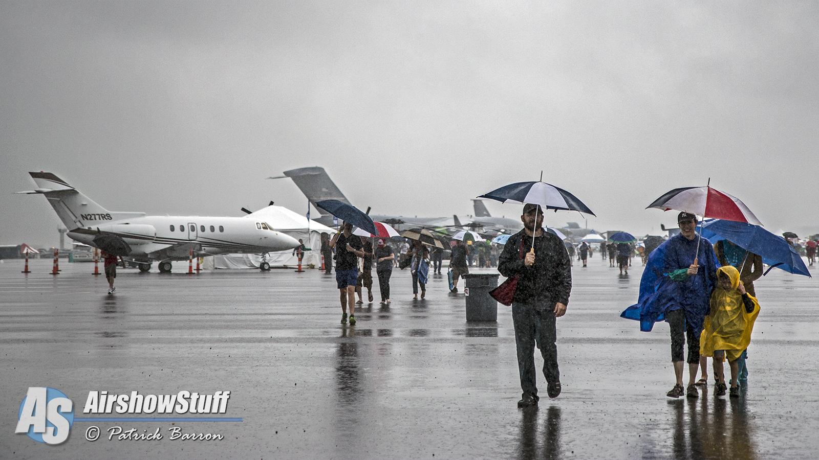 2015 vectren dayton air show entertains despite rain for Air show 2015
