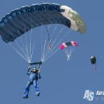 EAA Airventure Oshkosh 2015 - Parachute World Record - Patrick Barron