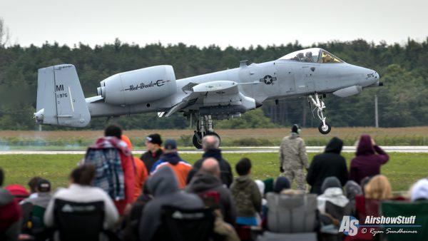 A-10 Warthog at Airshow London 2018 - AirshowStuff